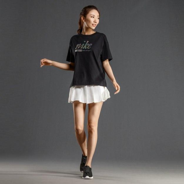 블랙 반팔 슬림핏 여성 티셔츠