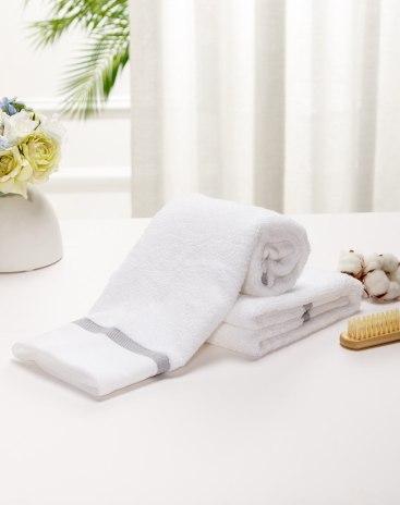 White Long-Staple Cotton Slight Twisting Satin Bath Towel