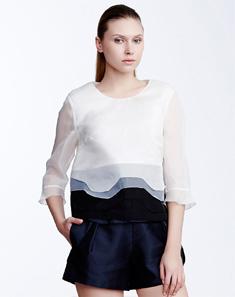 White Plain Round Neck 3/4 Sleeve Women's Shirt