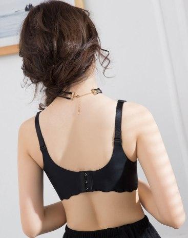 Black Spandex(Lycra) Removeable Strap Women's Bra
