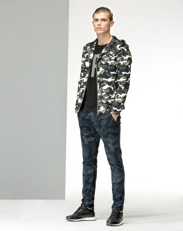 Green Standard Men's Outerwear