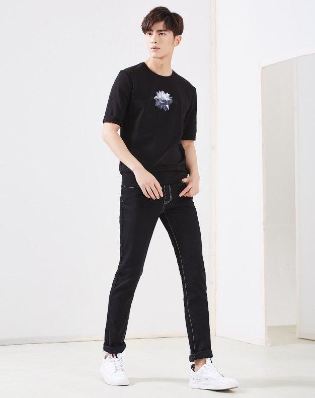 Black Round Neck Half Sleeve Standard Men's Hoodies & Sweatshirt