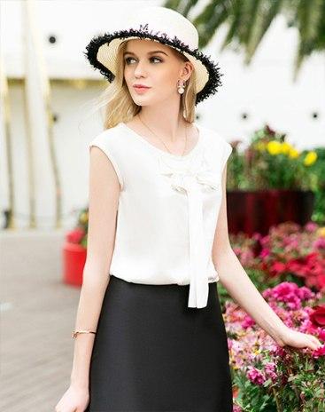 White Round Neck Sleeveless Standard Women's T-Shirt