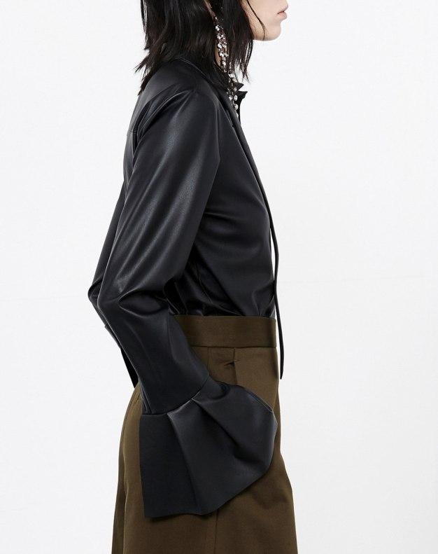 블랙 단색의 긴소매 스트레이트 핏 여성 블라우스