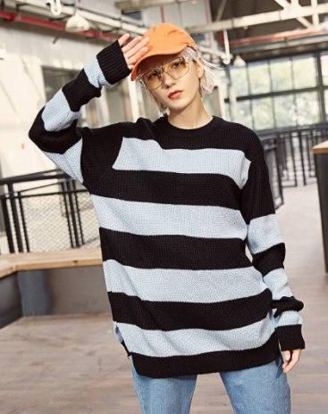 Blue Stripes Round Neck Long Sleeve Loose Women's Knitwear