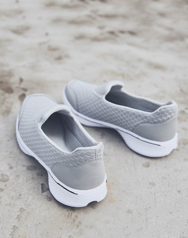 Gray Round Head Flat Women's Sport Shoes