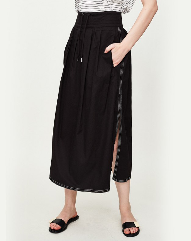 Black High Waist 3/4 Length Women's Pleated Skirt
