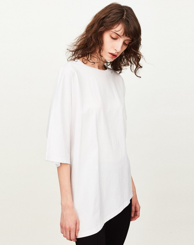 White Plain Round Neck 3/4 Sleeve Loose Women's T-Shirt