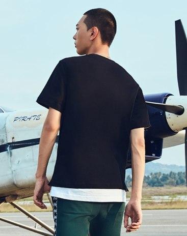 Black Print Round Neck Short Sleeve Standard Men's T-Shirt