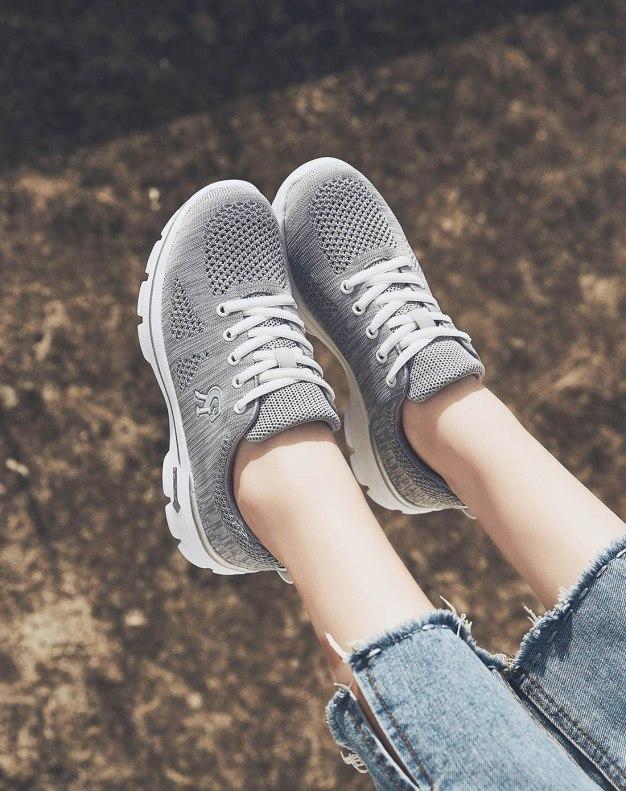Gray Round Head Flat Women's Sport Shoes