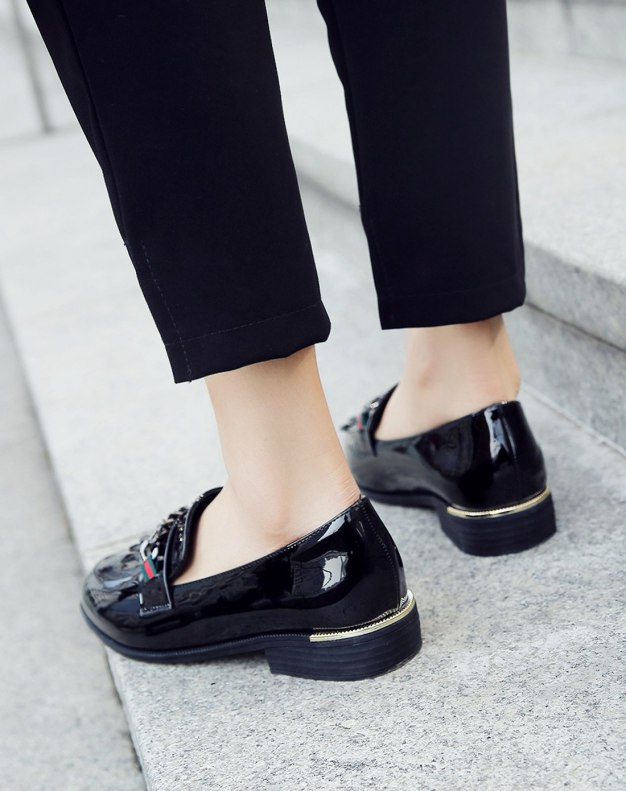 Black Cut Round Head Low Heel Women's Pumps