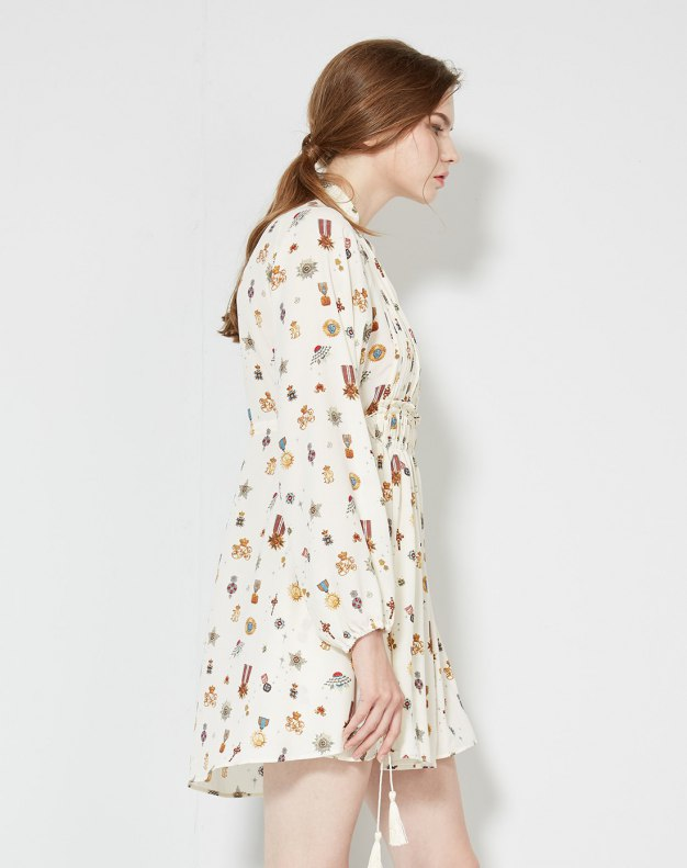 화이트 긴소매 주름치마  여성 드레스