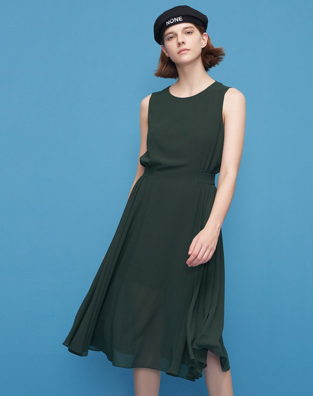 Green Round Neck Sleeveless 3/4 Length Pleated Women's Dress