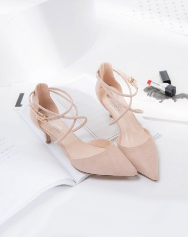 Apricot Pointed Middle Heel Women's Light Weight