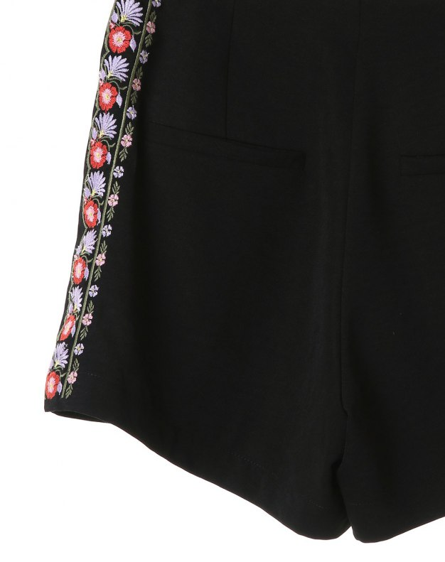 Black Embroidery Short Women's Pants