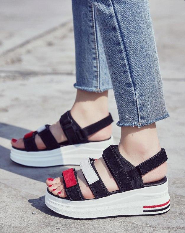 Black Flat Portable Women's Sandals