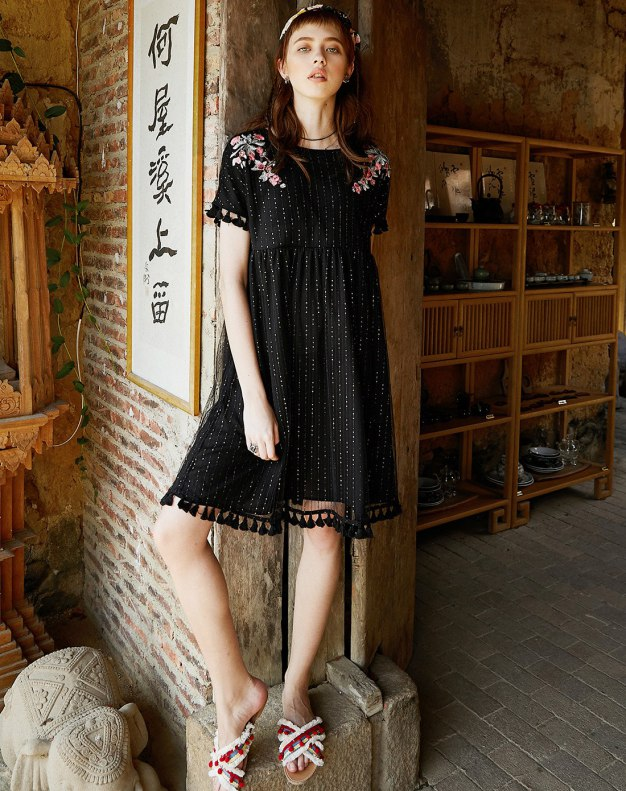 Black Round Neck Sleeve Standard Women's Dress