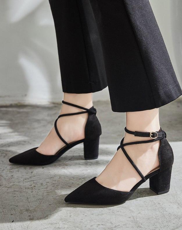 Black Pointed Middle Heel Heighten Women's Sandals