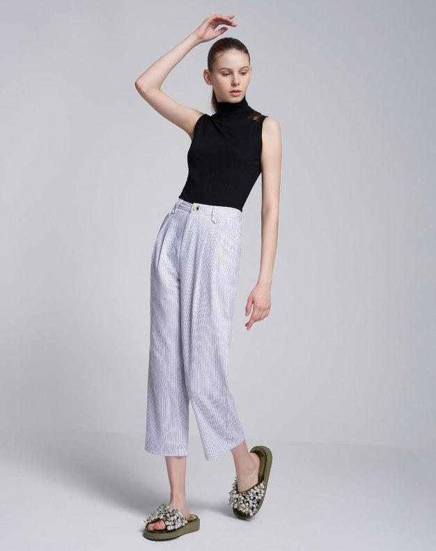 White Pleates Cropped Women's Pants