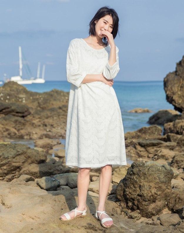 White Round Neck Long Sleeve 3/4 Length Loose Women's Dress