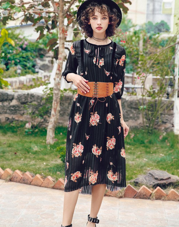 Colourful Round Neck Sleeve 3/4 Length Standard Women's Dress
