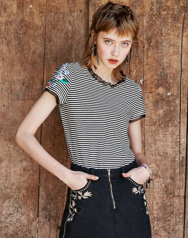 White Stripes Round Neck Short Sleeve Standard Women's T-Shirt