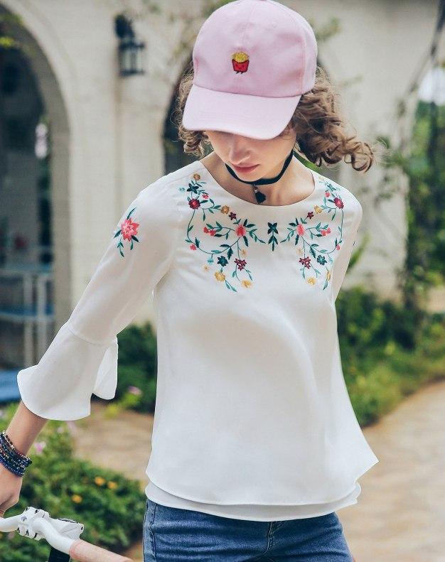 White Round Neck Elastic Cropped Sleeve Standard Women's Shirt
