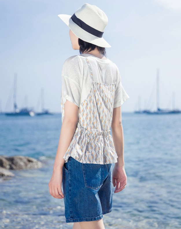 White Floral V Neck Sleeveless Fitted Women's T-Shirt