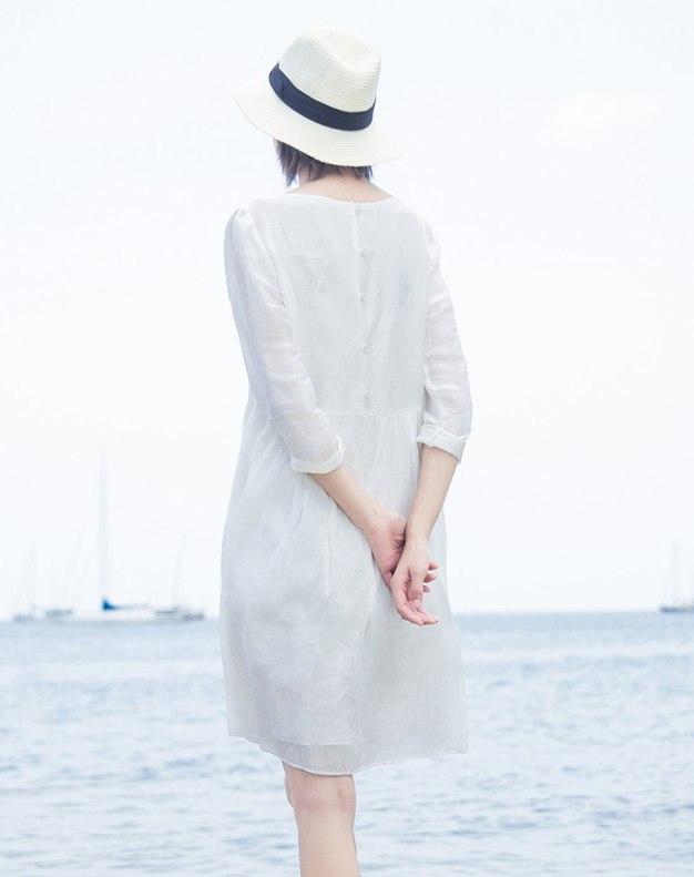 White Round Neck Sleeve 3/4 Length Standard Women's Dress