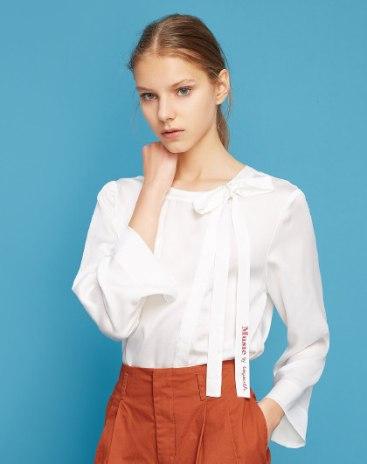 White Round Neck Elastic 3/4 Sleeve Women's Shirt