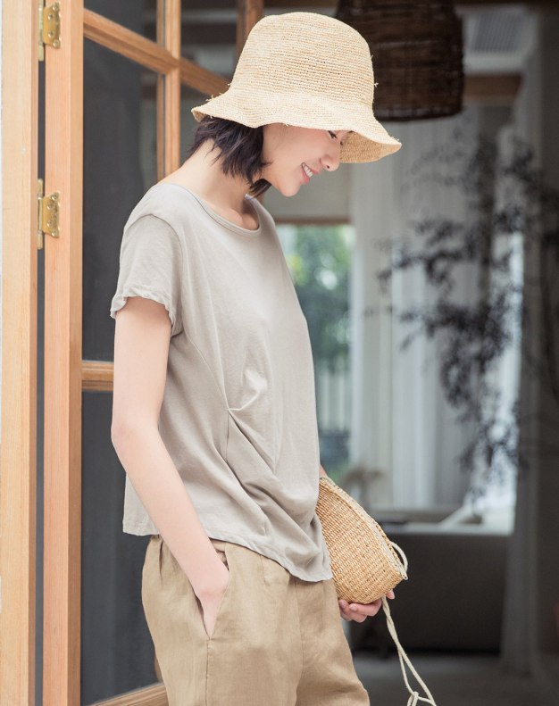 Gray Plain Round Neck Short Sleeve Fitted Women's T-Shirt