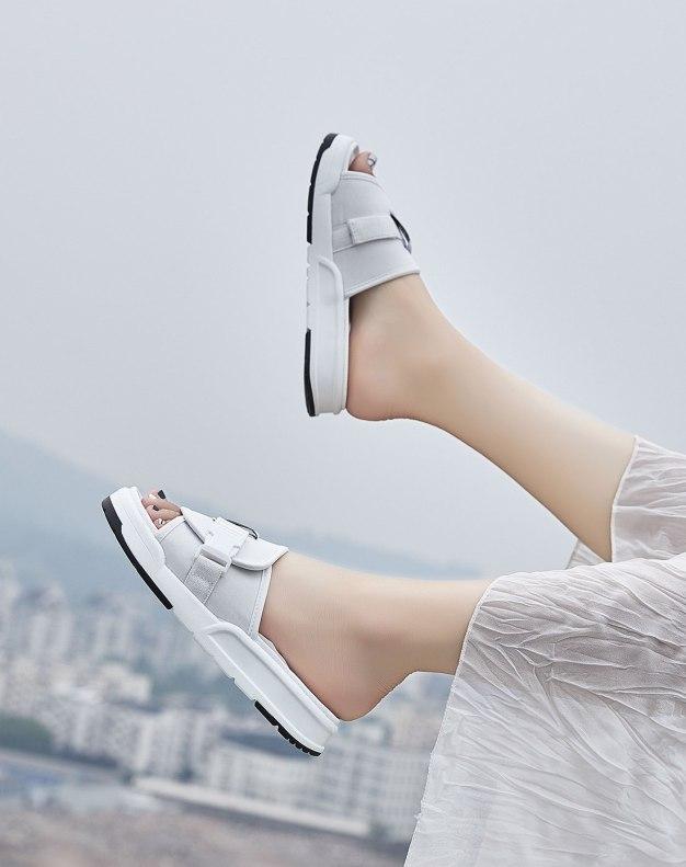 White Flat Portable Women's Sandals