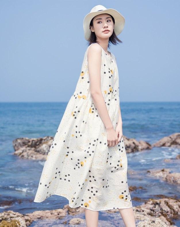 Yellow Round Neck Sleeveless Long Standard Women's Dress