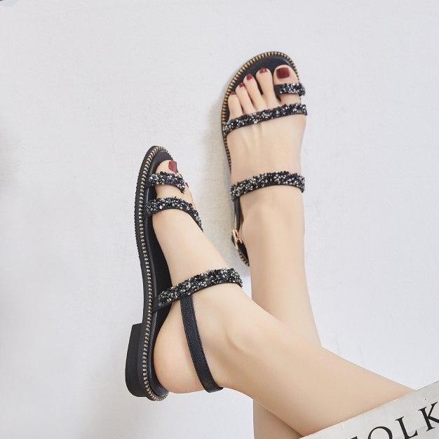 Black SetsOfToe Flat Anti Skidding Women's Sandals