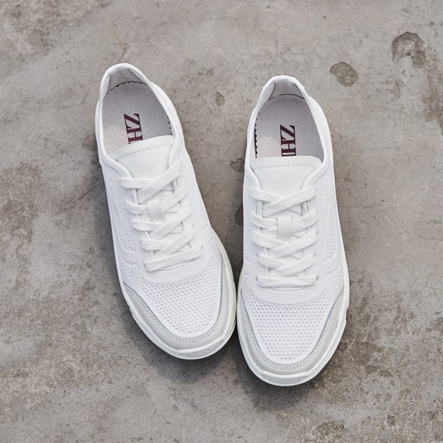 White Round Head Flat Portable Women's Sport Shoes
