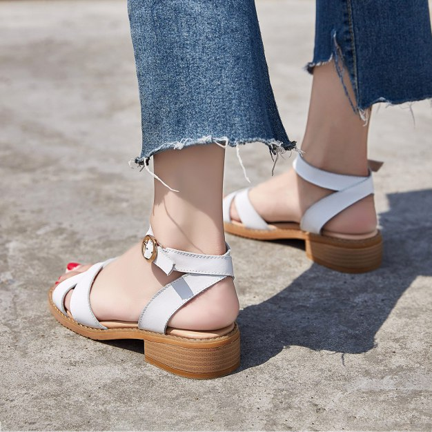 White Middle Heel Anti Skidding Women's Sandals