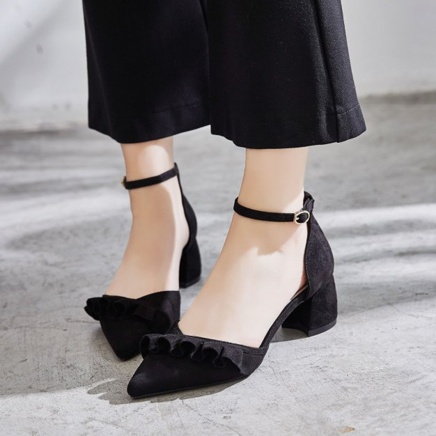 Black Pointed Middle Heel Women's Sandals