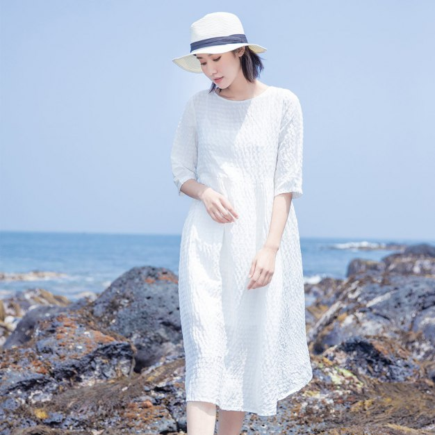 White Round Neck Half Sleeve Long Loose Women's Dress