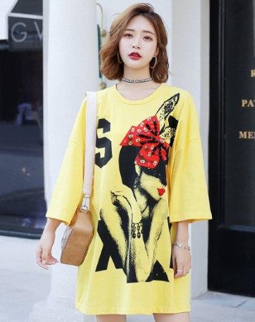 Yellow Print Round Neck 3/4 Sleeve Loose Women's T-Shirt