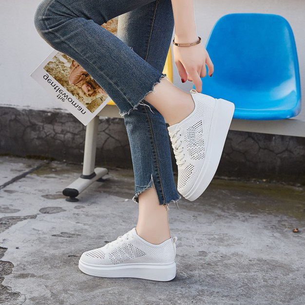 White Round Head Flat Portable Women's Outdoor Shoes