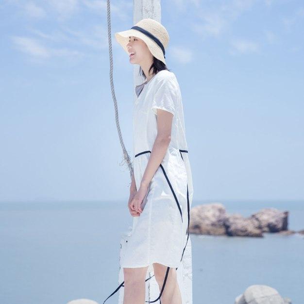 White Round Neck Short Sleeve 3/4 Length Fitted Women's Dress