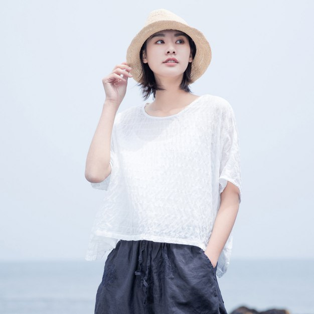 White Stripes Round Neck Short Sleeve Loose Women's Shirt