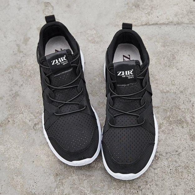 Black Round Head Internal Heighten Women's Sport Shoes