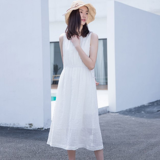 White Round Neck Sleeveless 3/4 Length Fitted Women's Dress