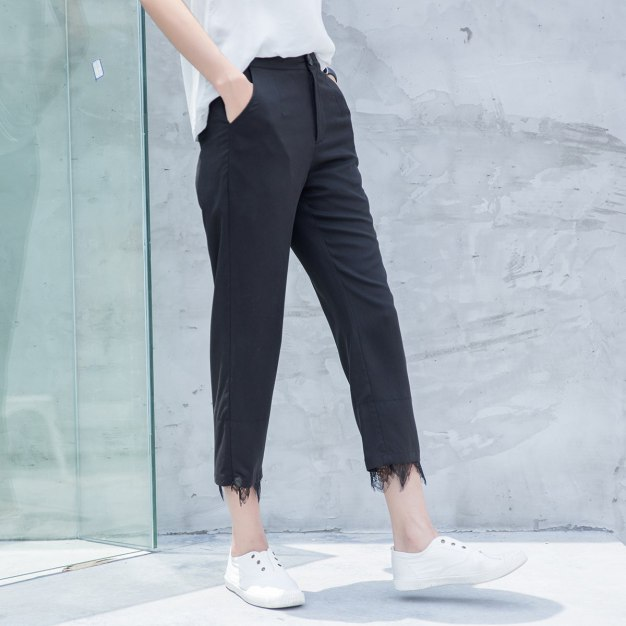 Black 3/4 Length Women's Pants