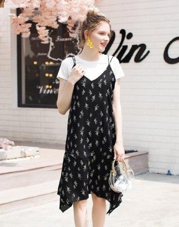 Black Sleeveless Standard Women's Dress
