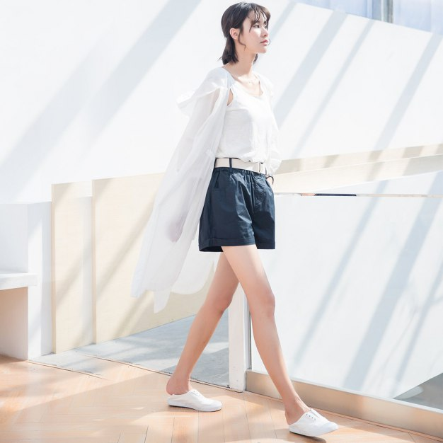 White Plain Round Neck Cropped Sleeve Loose Women's Outerwear