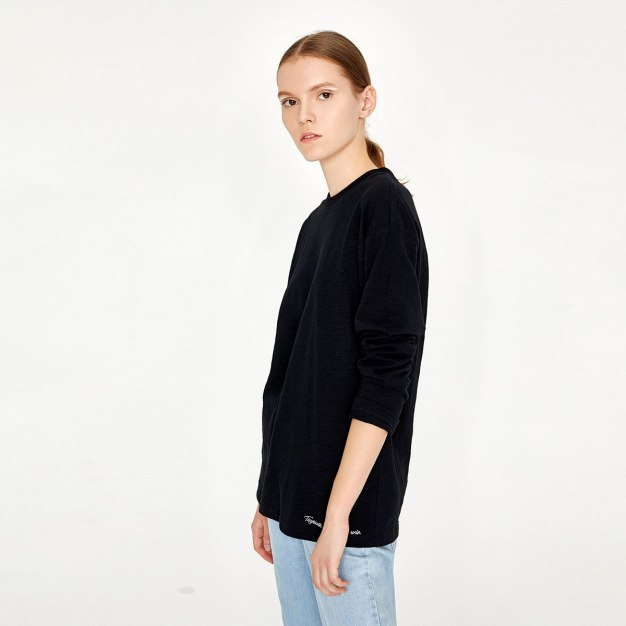 Black Embroidery Round Neck Long Sleeve Loose Women's T-Shirt