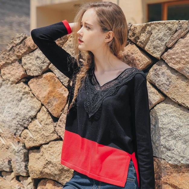 Black Contrast Color V Neck Elastic Women's Knitwear