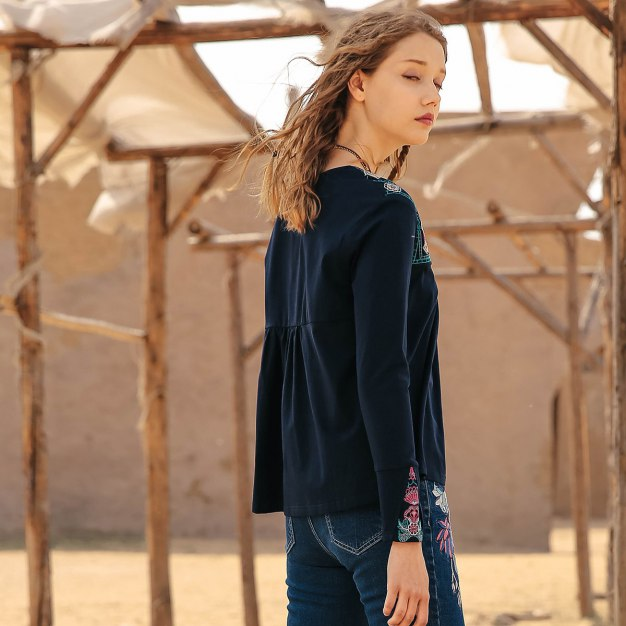 Blue Round Neck Long Sleeve Standard Women's T-Shirt